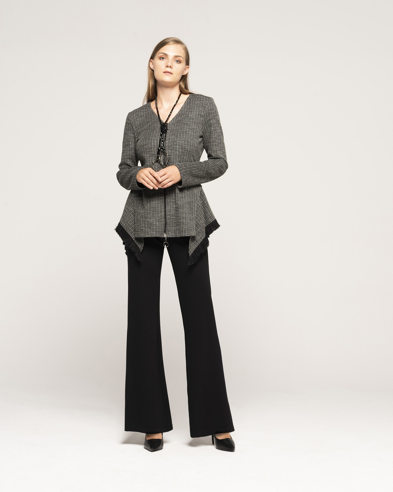 JACKET 604 - TROUSERS 140 - NECKLACE C350.jpg